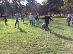 Norsupalloa pelatessa oli kaikill tosi hauskaa Kuvaaja: Iida