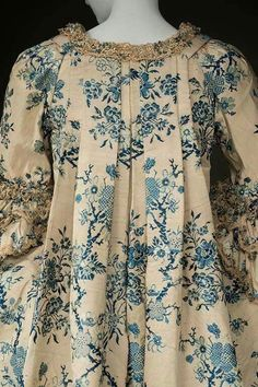 Historic Deerfield 1760s silk brocade court dress