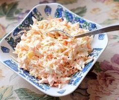 If you're looking to make the very best coleslaw recipe, this copycat Chick-fil-A Cole Slaw is made for you! This Copycat Chick-fil-A Cole Slaw recipe is amazing! This is the perfect side dish to any BBQ Best Coleslaw Recipe, Coleslaw Mix, Good Food, Yummy Food, Slaw Recipes, Incredible Recipes, Amazing, Swedish Recipes, Greens Recipe