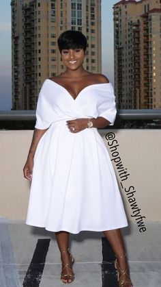 All White Outfits: White Dress 2019 - Fashion Curvy Fashion, Look Fashion, Girl Fashion, Womens Fashion, Fashion Outfits, Ladies Fashion, Woman Outfits, Feminine Fashion, Cheap Fashion