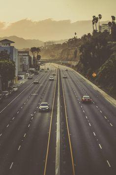 California, Los Angeles, Santa Monica, at dawn, on the way Malibu _ California… San Diego, San Francisco, Santa Monica, Pacific Coast Highway, Highway 1, Pale Tumblr, Beautiful World, Beautiful Places, Wanderlust