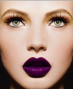 Pretty purple lipstick. I like the color. Neonwoman