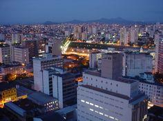 Belo Horizonte à noite | Fotografia de Fernanda Gehrke | Olhares.com