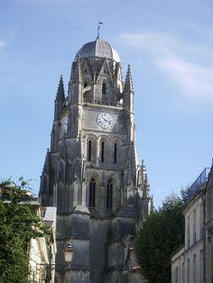 Cathédrale Saint Pierre, Saintes, charente maritime, France.