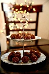 Mrkvovo-ořechové kuličky / receptydetem.cz Christmas Sweets, Christmas Cookies, Chocolate Fondue, Waffles, Cereal, Breakfast, Desserts, Food, Inspiration
