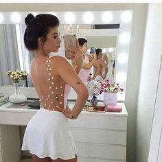 E para arrasar neste verão com estilo e conforto, nada melhor que um belo body com aplicação de pérolas nas costas. O modelo é super feminino e deixa a silhueta perfeita! ❤️ Onde encontrar: Turquesa Modas (Rua São Paulo, 815 - Lojas 220|394 - Centro) #feirashop #lindadefeirashop #moda #modabh #modamineira #modaparameninas #body #look #lookdodia #style #estilo #trend #tendencia #fashion #perolas #tule #blogueira #bh
