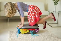 Don& regret packing too much on your next international trip! See these 10 tips to avoid overpacking, the biggest mistake made by travelers. Cruise Packing Tips, Packing To Move, Packing Checklist, Travel Packing, Travel Tips, Packing Hacks, Travel Hacks, Budget Travel, Travel Bag