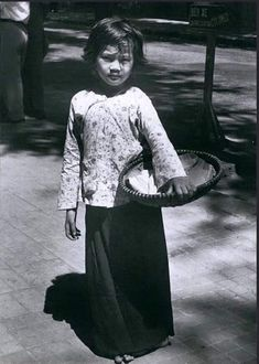 1968 - Only a child, but she is out from morning to midnight selling peanuts on the streets of Saigon South Vietnam, Lace Skirt, Goth, Style, Fashion, Gothic, Swag, Moda, Fashion Styles