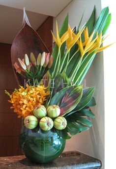 Kate Hill Flowers' corporate floral designs in Melbourne CBD create a welcoming reception for all of your clients & visitors to admire. Tropical Centerpieces, Tropical Floral Arrangements, Unique Flower Arrangements, Ikebana Arrangements, Ikebana Flower Arrangement, Tropical Flowers, Exotic Flowers, Beautiful Flowers, Cactus Flower