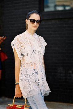 white lace shirt with blue jeans Milan Fashion Weeks, New York Fashion, London Fashion, Street Style Looks, Street Style Women, Street Styles, Fashion Models, Girl Fashion, Stockholm Street Style