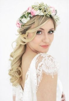 {flower crown} Maybe there could be a place to make your own flower crown :)