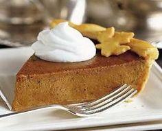 Negli USA la Pumpkin Pie (torta di zucca) non può mancare sulle tavole imbandite per la Festa del Ringraziamento che si festeggia il quarto giovedì di novembre. Anche se la ricorrenza è passata da qualche mese, ancora fino a metà marzo è possibile trovare nei supermercati la zucca e gustare questa specialità,