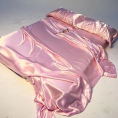Silk heaven shared by Savannah Rae on We Heart It Imagem de pink, aesthetic, a. - Silk heaven shared by Savannah Rae on We Heart It Imagem de pink, aesthetic, and satin This im -