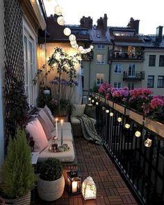 35 DIY Small Apartment Balcony Garden Ideas # Balcony Garden - b a l c o n y - Balkon Apartment Balcony Garden, Small Balcony Garden, Small Balcony Decor, Apartment Balcony Decorating, Apartment Balconies, Cozy Apartment, Small Terrace, Terrace Decor, Small Balconies