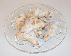 Cornulete cu bors Shrimp, Meat, Chicken, Food, Essen, Meals, Yemek, Eten, Cubs