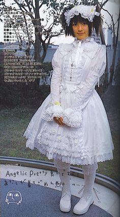 Shiro lolita - looks like an angel #oldschool