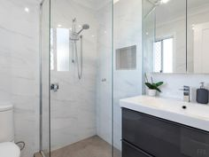 Bathroom / Shower Indoor Plants, Vanity, Homes, Bathroom, Places, Inside Plants, Dressing Tables, Washroom, Powder Room
