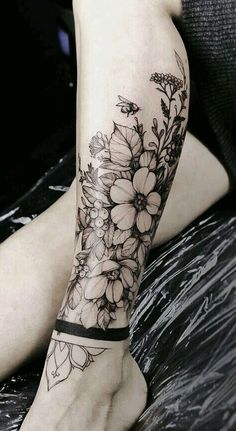Gorgeous And Stunning Ankle Floral Tattoo Ideas For Your Inspiration; - Gorgeous And Stunning Ankle Floral Tattoo Ideas For Your Inspiration; Ankle Tattoos Ideas for Women; Foot Tattoos, Flower Tattoos, Body Art Tattoos, Girl Tattoos, Tatoos, Tattoo Ink, Tattoo Floral, Tattoo Drawings, Arabic Tattoos
