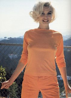 Marilyn Monroe Vintage Pin-up Print Braless in Orange Outfit Professionally Mounted Pinup Photo Sex Style Marilyn Monroe, Marilyn Monroe Portrait, Norma Jean Marilyn Monroe, Marilyn Monroe Photos, Hollywood Actresses, Old Hollywood, Hollywood Hills, Actrices Hollywood, Norma Jeane