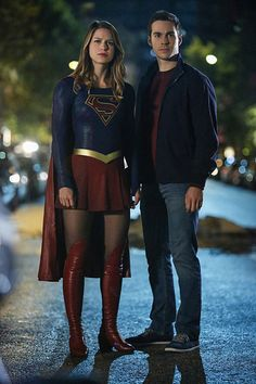 New Couple Alert!!! Supergirl co-actors Chris Wood and Melissa Benoist confirmed Dating