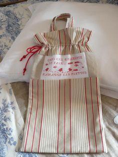 sac à pain rouge et taupe broder sur lin : Accessoires de maison par l-atelier-de-cathy