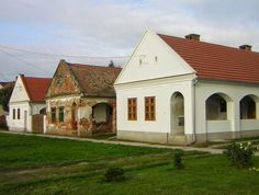 Adobe House, Heart Of Europe, Good House, Model Homes, Traditional House, Hungary, Countryside, Sweet Home, Budapest