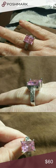 Beautiful pink saffire ring Sterling silver, with a scroll accent at the base of the stone. Size 8 Jewelry Rings