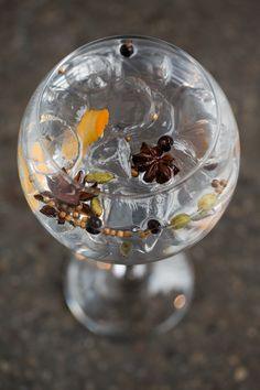 A dry and light G&T. The strong citrus notes from the cardamom pod and juniper berries combine with spicy aromatics of the cassia bud to make this gin and tonic a favorite cocktail for the spring season and warmer weather ahead.