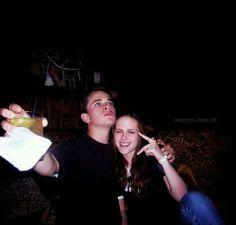Nova/Antiga Foto de Kristen Stewart e seu irmão Taylor Stewart ~ Hollywood News