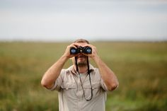 14 easy and actionable bird watching tips! Designed for beginners but every birder can benefit. Birding Tip is my favorite! Save time and frustration! Seo Website Design, Video Game Movies, Seo Packages, Seo Guide, The Motley Fool, Local Seo, Seo Services, Search Engine Optimization, Bird Watching