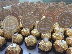 Great Gatsby Party, Ferrero Rocher, Wedding Favors, Party Favors, Pretty Sandals, Partys, Wedding Dress Sleeves, Wedding Place Cards, Ornaments