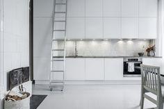 Notar 2 - white kitchen
