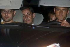 #Sarkozy fout le #feu à la #République pour se sauver des #juges http://www.lesinrocks.com/2014/10/15/actualite/antoine-peillon-fabrice-arfi-corruption-cest-lassassinat-contre-lidee-meme-societe-organisee-11529996/ #corruption #politique #France #affaires #démocratie