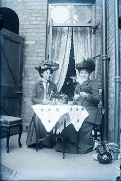 Intimate Found Photos That Capture People Having Tea Together in the Early 20th Century ~ vintage everyday