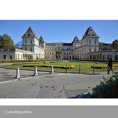 Foto di ubaldogulotta per #inTO #ub1424r #castellovalentino #torino #nofilter #sky