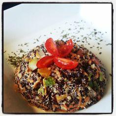 Risotto de quinoa vermelha e preta com toque de creme de queijo que atingiu até os USA. Menos de 250 calorias