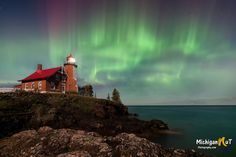 3 Destinations to Chase the Northern Lights in Pure Michigan