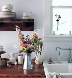 """gravityhome: """" Kitchen with flowers by Maggie Pate Follow Gravity Home: Blog…"""