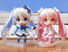 Sakura Miku and Snow Miku nendoroids