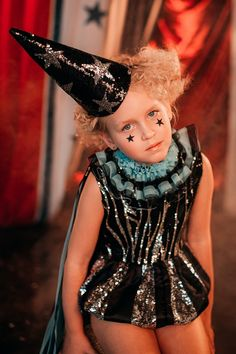 Halloween Baby Photos, Circus Halloween Costumes, Vintage Circus Costume, Halloween Makeup For Kids, Fantasy Costumes, Girl Costumes, Circus Fashion, Retro Fashion, Kids Fashion