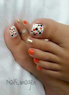 Pedicure designs toenails summer polka dots ideas for 2019 Pretty Toe Nails, Cute Toe Nails, Fancy Nails, Trendy Nails, Diy Nails, Cute Toes, Pretty Toes, Pedicure Designs, Manicure E Pedicure