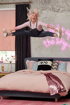 Fun, fabulous and colourful; Emily Murray's Colour Clash bedroom design is pink, playful and luxurious Roller Blinds Inspiration, White Roller Blinds, Sophie Robinson, Luxe Boutique, New York Loft, Pink Houses, Modern Rustic Interiors, Fabric Samples, Neon Lighting