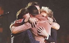 """Til the end everybody we're one direction and we're here to stay"""