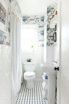 Makeover Reveal :: Our Mini Bathroom Update! - coco kelley bold wallpaper and small updates make a big impact in this mini bathroom makeover Small Bathroom Organization, Bathroom Styling, Organization Ideas, Bathroom Storage, Bold Wallpaper, Bathroom Wallpaper, Botanical Wallpaper, Mini Bad, Bathroom Red