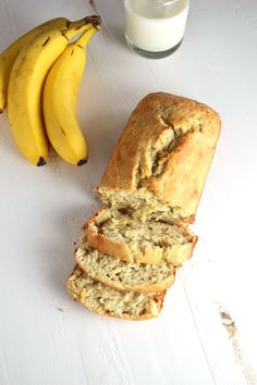 Classic Banana Bread!! I absolutely LOVE it when my bananas get ripe enough to make bread. Banana bread days are the best! // Love Laugh Cook