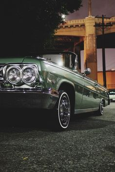 Quite Life Loud Pictures. Arte Lowrider, Lowrider Model Cars, Lowrider Trucks, Retro Cars, Vintage Cars, Antique Cars, American Muscle Cars, Estilo Cholo, Cholo Style