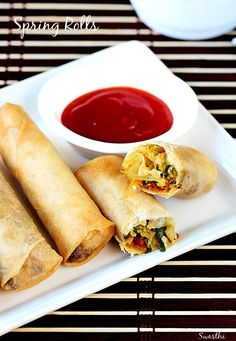 Vegetarian · Makes 6 spring rollsChinese veg spring rolls recipe - Vegetable spring rolls made with mixed vegetables and frozen sheets . These make a great tea time snack and can also be served as a side in a Chinese meal. Baked Spring Rolls, Vegetable Spring Rolls, Chicken Spring Rolls, Vegetable Egg Rolls, Baked Vegetable Spring Roll Recipe, Healthy Spring Rolls, Vegetarian Spring Rolls, Veggie Rolls, Chinese Appetizers