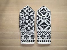 Ravelry: Rigmors Selbu mittens, pair pattern by Rigmor Duun Grande Free pattern Knitting Needle Sets, Knitting Charts, Baby Knitting Patterns, Free Knitting, Knitted Mittens Pattern, Knit Mittens, Knitted Gloves, Knit Socks, Knitting Accessories