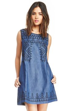 DailyLook: Sleeveless Embroidered Chambray Shift Dress in Blue S - L