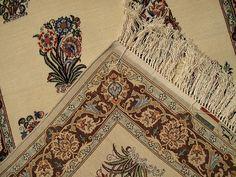 Persian Isfahan Carpet   2'8'' X 6'7'' Fine Persian Isfahan Carpet   SIL416   #Persianrug #PersianCarpet #persianrugsinfo #ruglovers